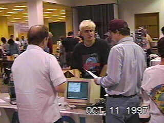 Darek speaking to customers at the Dallas show