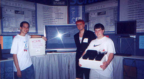 Emulators booth winners at Macworld 2000 New York